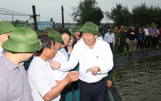 Phó Thủ tướng thường trực kiểm tra công tác bồi thường thiệt hại cho người dân 4 tỉnh miền Trung