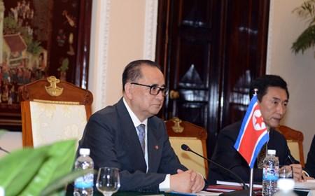 Bộ trưởng Ngoại giao Triều Tiên thăm Việt Nam
