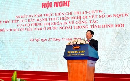 Cập nhật, bổ sung Chỉ thị 45 để đổi mới công tác người Việt Nam ở nước ngoài