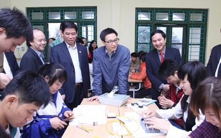 Phó Thủ tướng Vũ Đức Đam thăm cơ sở y tế, giáo dục ở Hà Giang, Tuyên Quang