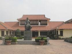 Tổ chức kỷ niệm 250 năm ngày sinh Đại thi hào Nguyễn Du
