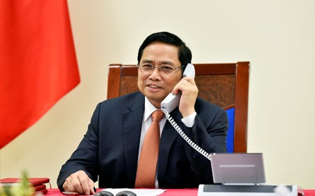 PM Holds Phone Conversation With Singaporean Counterpart