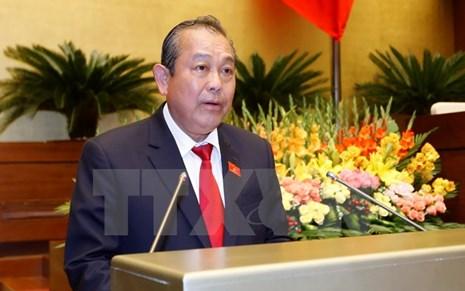 Phó Thủ tướng Trương Hòa Bình trả lời phỏng vấn báo chí