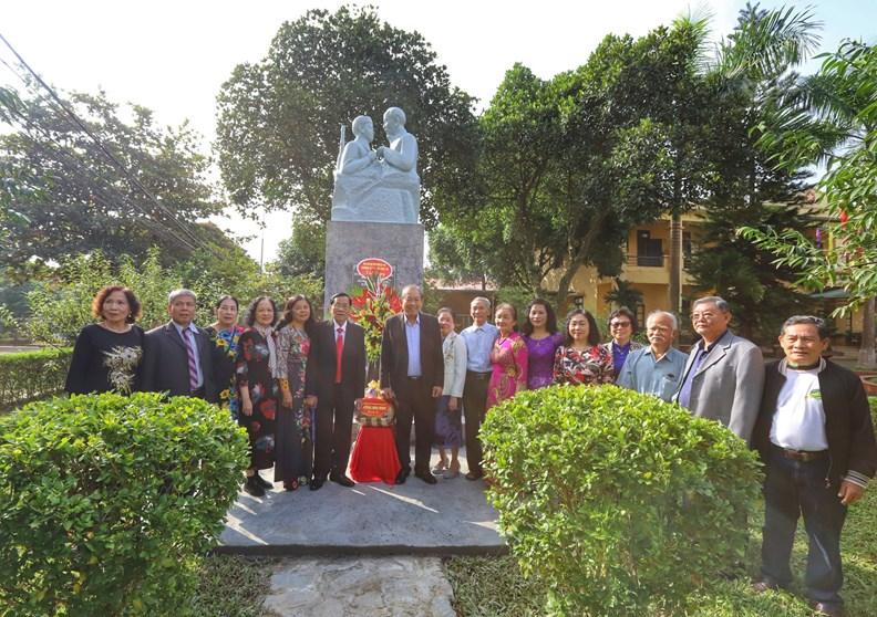 Họat động của Phó Thủ tướng Thường trực nhân Ngày Nhà giáo VN - ảnh 6