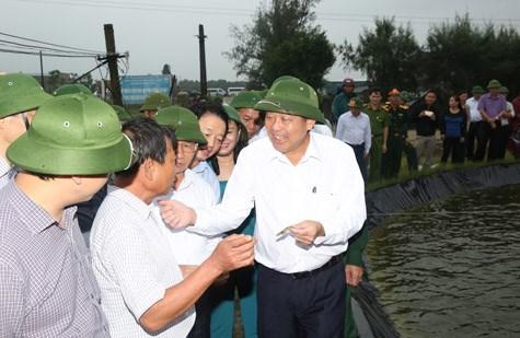 Phó Thủ tướng thường trực kiểm tra công tác bồi thường thiệt hại cho người dân 4 tỉnh miền Trung - ảnh 3
