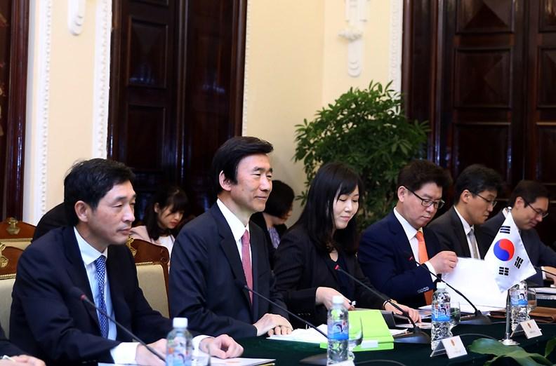 Bộ trưởng Ngoại giao Hàn Quốc thăm chính thức Việt Nam. - ảnh 5