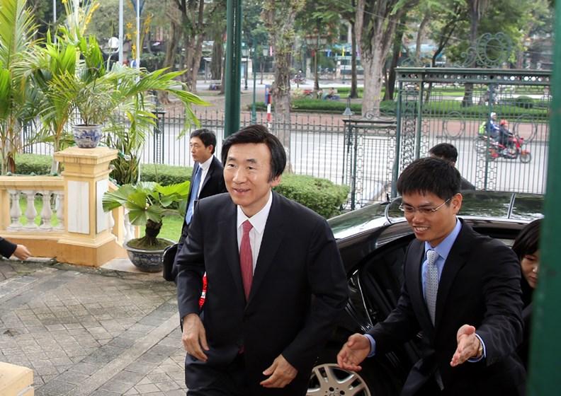 Bộ trưởng Ngoại giao Hàn Quốc thăm chính thức Việt Nam. - ảnh 1