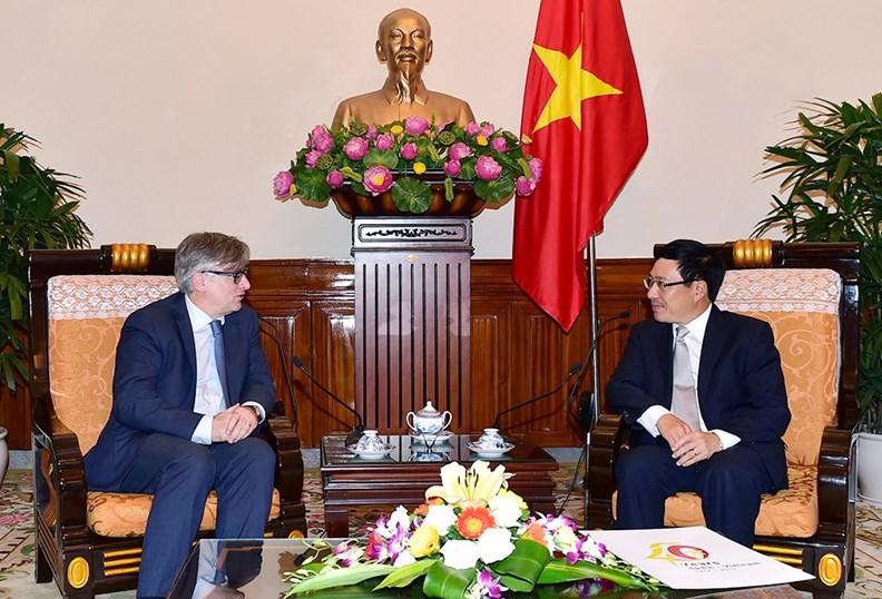 Phó Thủ tướng Phạm Bình Minh tiếp Quốc vụ khanh Bộ Ngoại giao Tây Ban Nha - ảnh 2