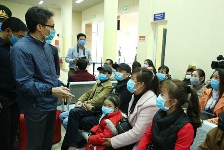 Phó Thủ tướng cảm ơn các y bác sĩ, động viên bà con yên tâm cách ly - ảnh 2